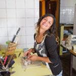 Ramona hilft in der Küche