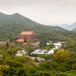 das aktive Kloster auf dem Gelände des Buddhas