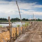 die Brücke besteht aus Bambus