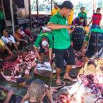 das Fleisch wird auf die einzelnen Stämme verteilt